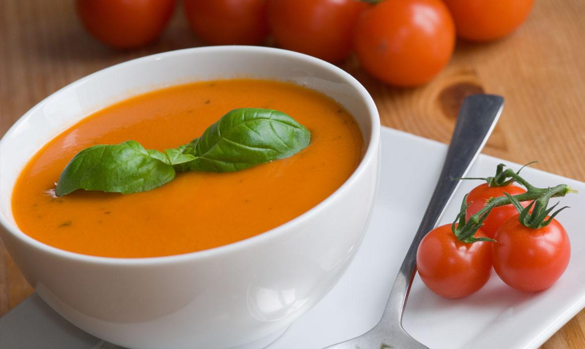 Soupe à la base tomate